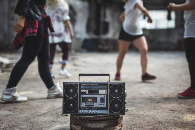 radio na boisku